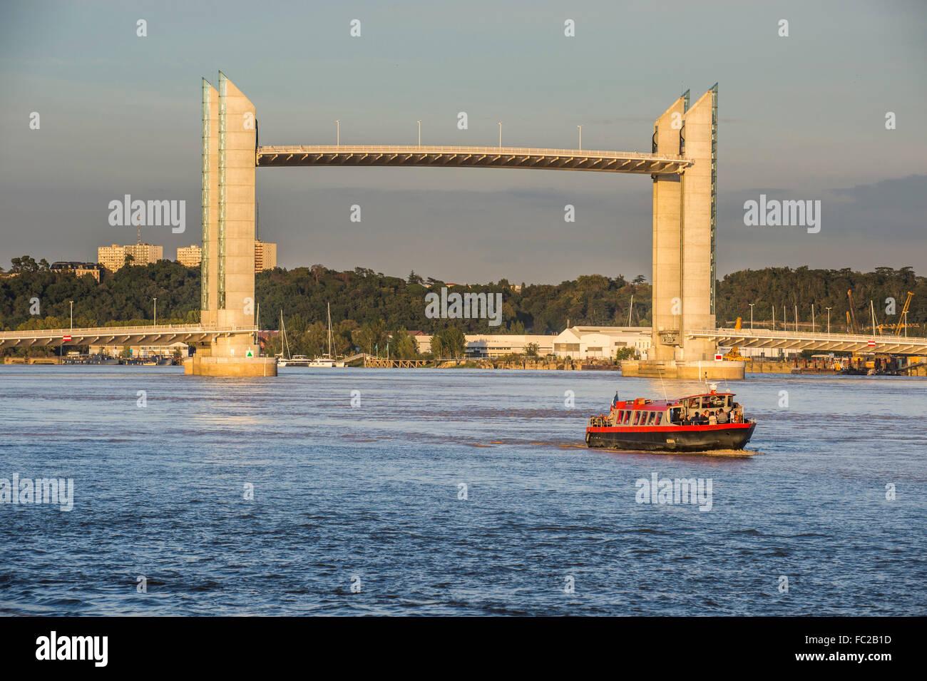 Pont Jacques Chaban-Delmas, vertical-lift bridge, Garonne river, Bordeaux, France - Stock Image