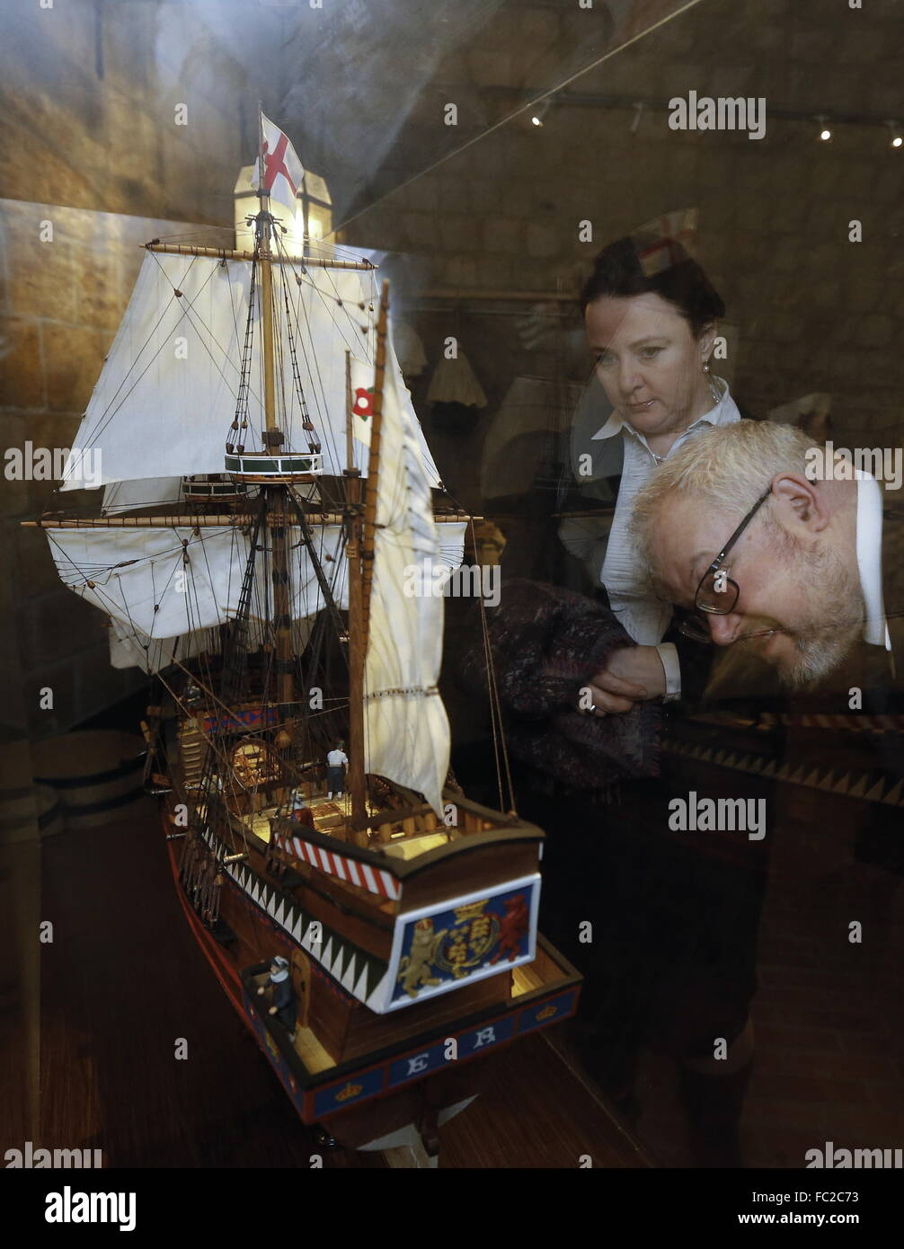 Moscow, Russia. 20th Jan, 2016. Visitors look at a model of an English ship in the Old English Court, a building - Stock Image