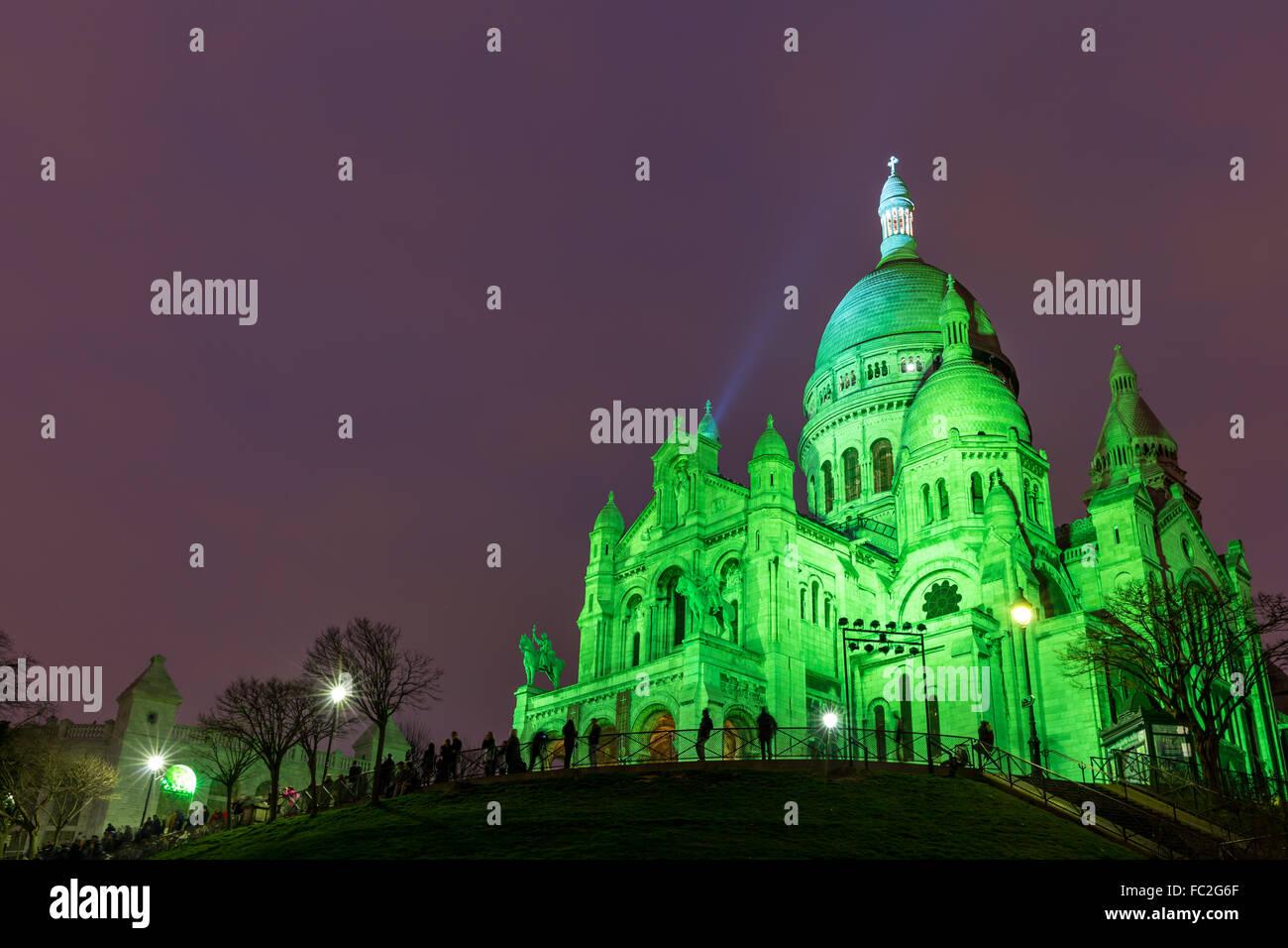 Sacre Coeur in Montmartre, Paris at night - Stock Image