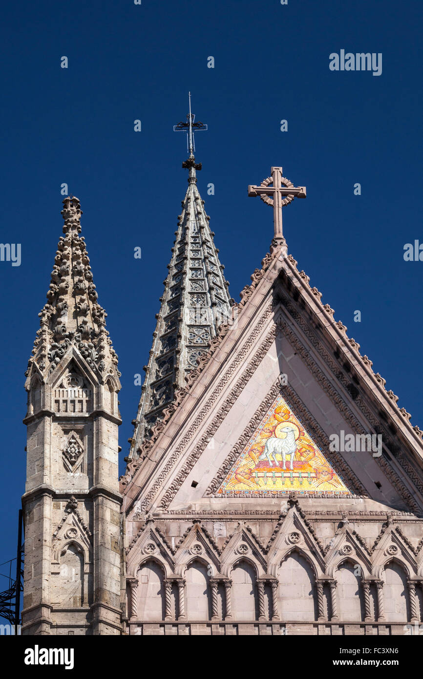 Detail of the towers of the neo-Gothic Templo Expiatorio of Guadalajara, Jalisco, Mexico. - Stock Image