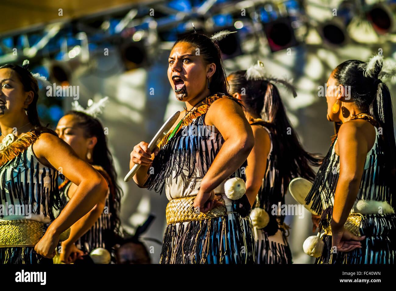 Maori Dancers: Maori Women Stock Photos & Maori Women Stock Images
