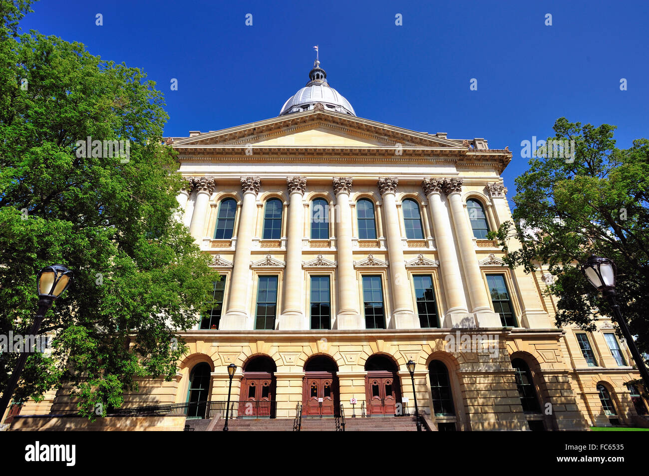The State Capitol Building in Springfield, Illinois. The capitol is in the French Renaissance architectural style. - Stock Image