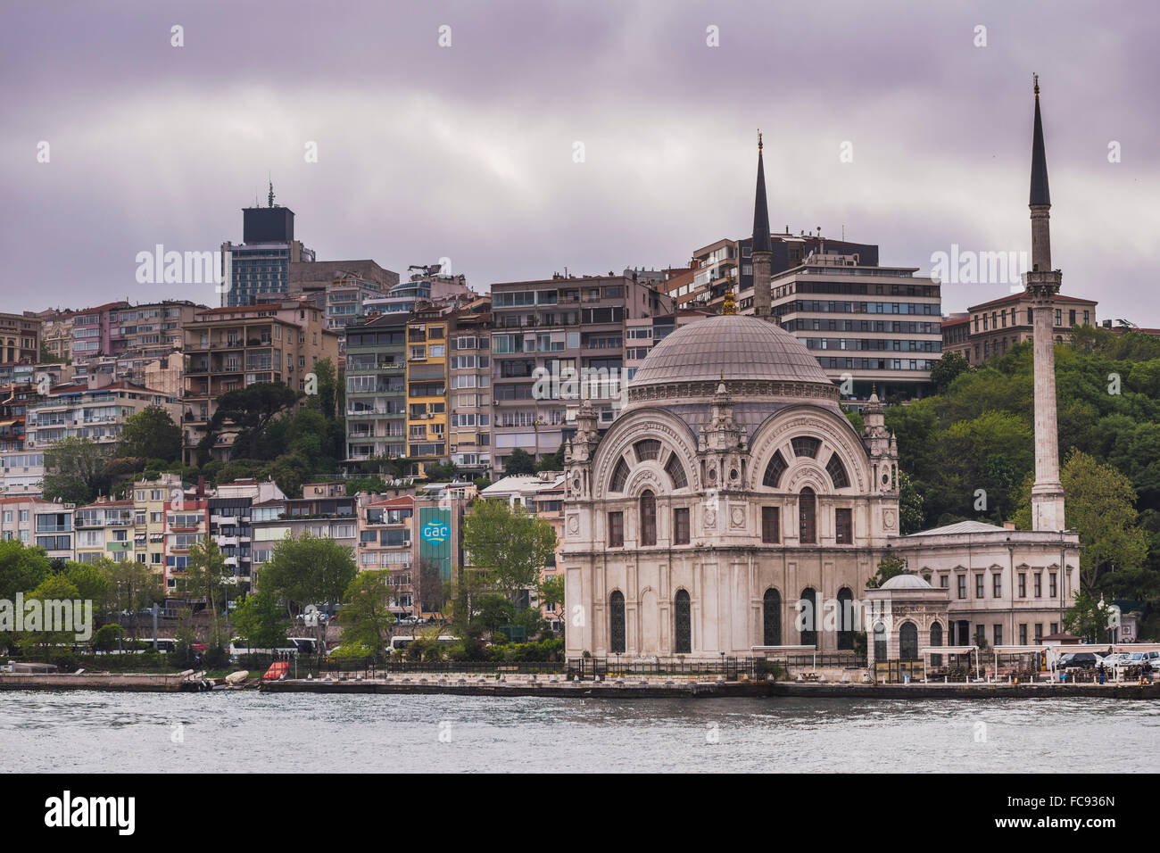 Mosque on the banks of the Bosphorus, Istanbul, Turkey, Europe - Stock Image