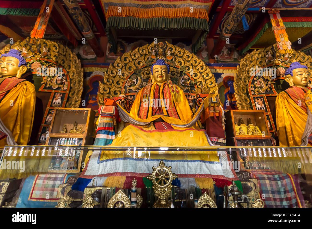 Golden Buddha statues and display items, Baruun Zuu temple, Erdene Zuu Khiid, Monastery, Kharkhorin (Karakorum), - Stock Image