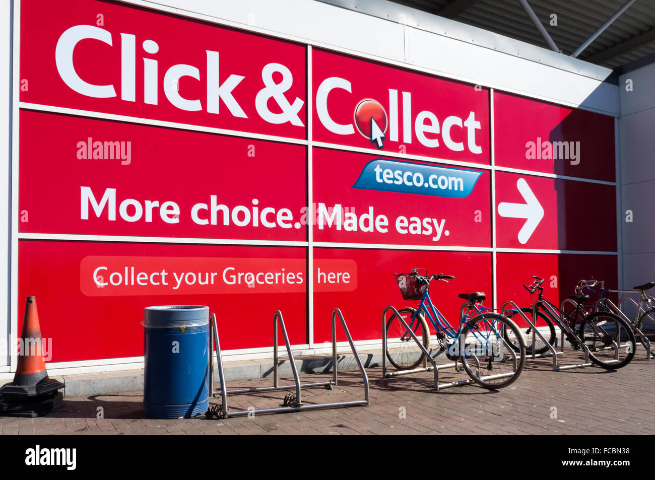 A large Tesco Click & Collect sign. - Stock Image