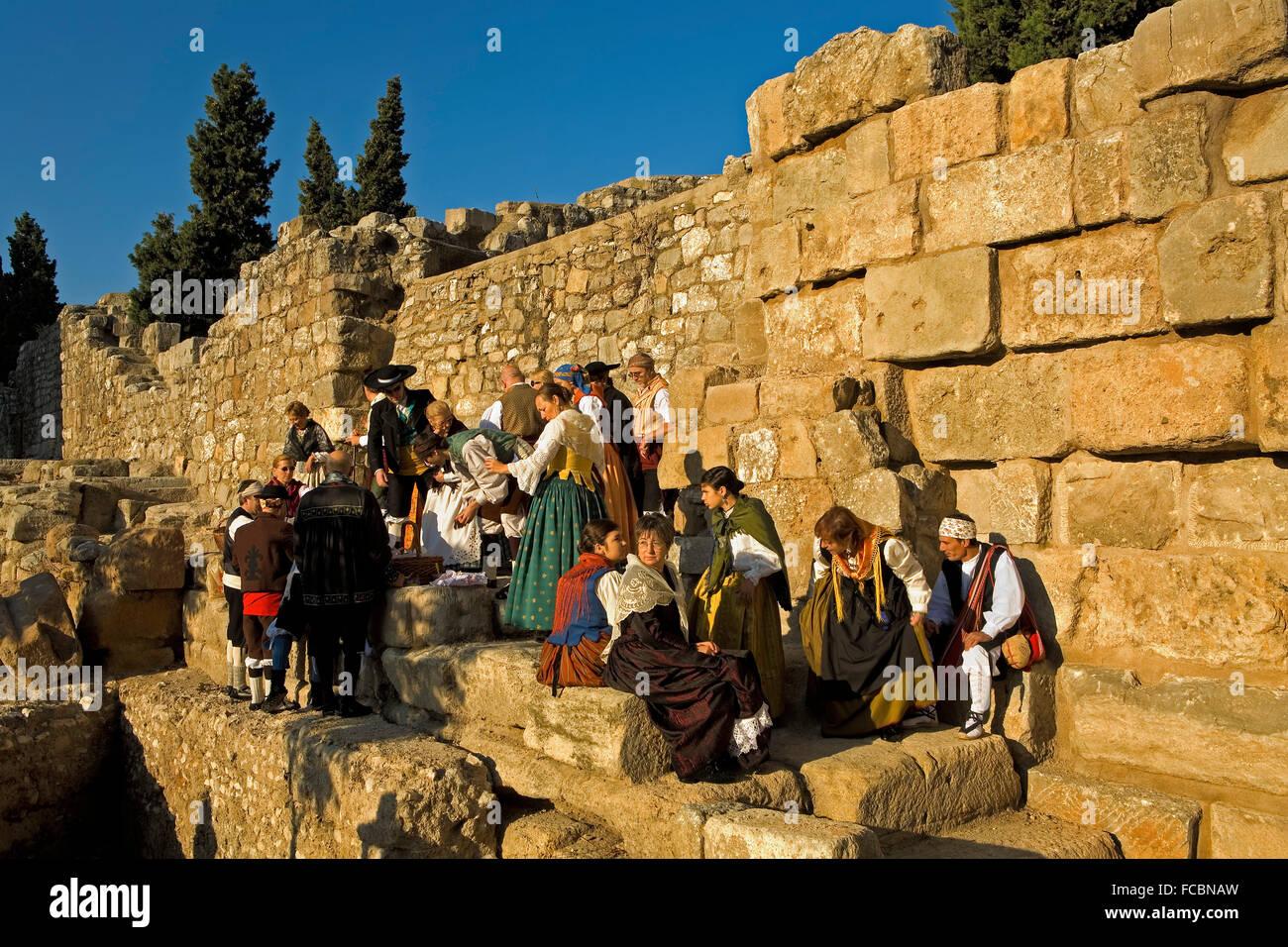 Zaragoza, Aragón, Spain: Roman wall on October 12 during the celebration of El Pilar - Stock Image