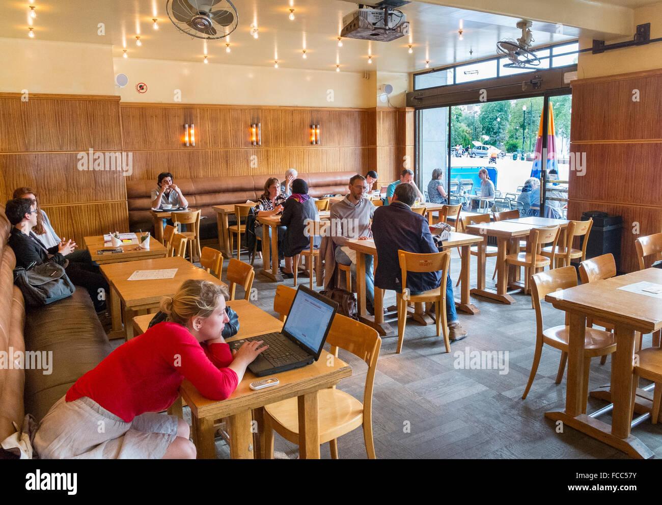 people customer cafe internet wifi coffee computer - Stock Image
