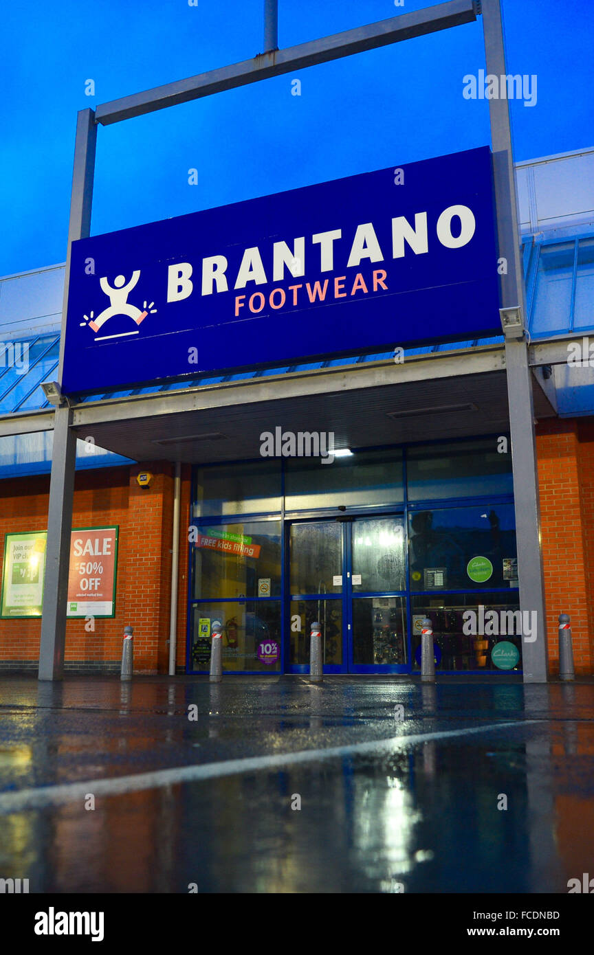 Aberystwyth, Wales, UK. 22nd January, 2016 It was announced last night (Jan 21 2016) that BRANTANO shoe stores has - Stock Image