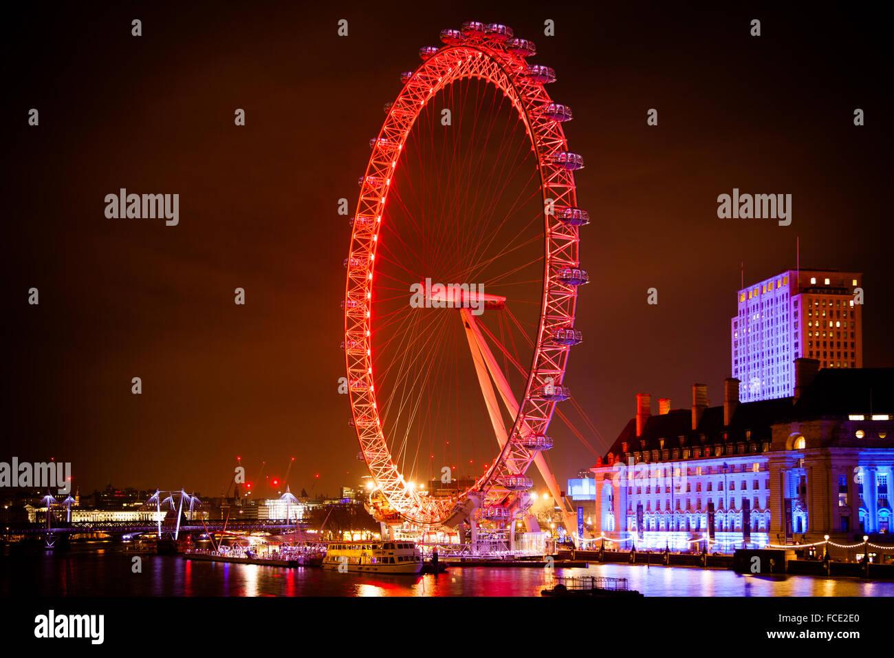 Famous London Eye big wheel at night - Stock Image