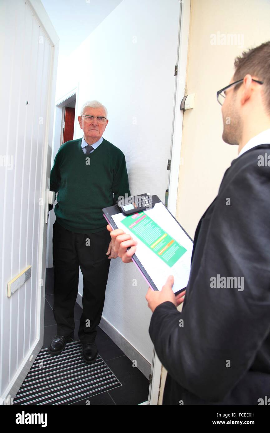 France canvassing at the main door - Stock Image  sc 1 st  Alamy & Canvassing Door Stock Photos \u0026 Canvassing Door Stock Images - Alamy
