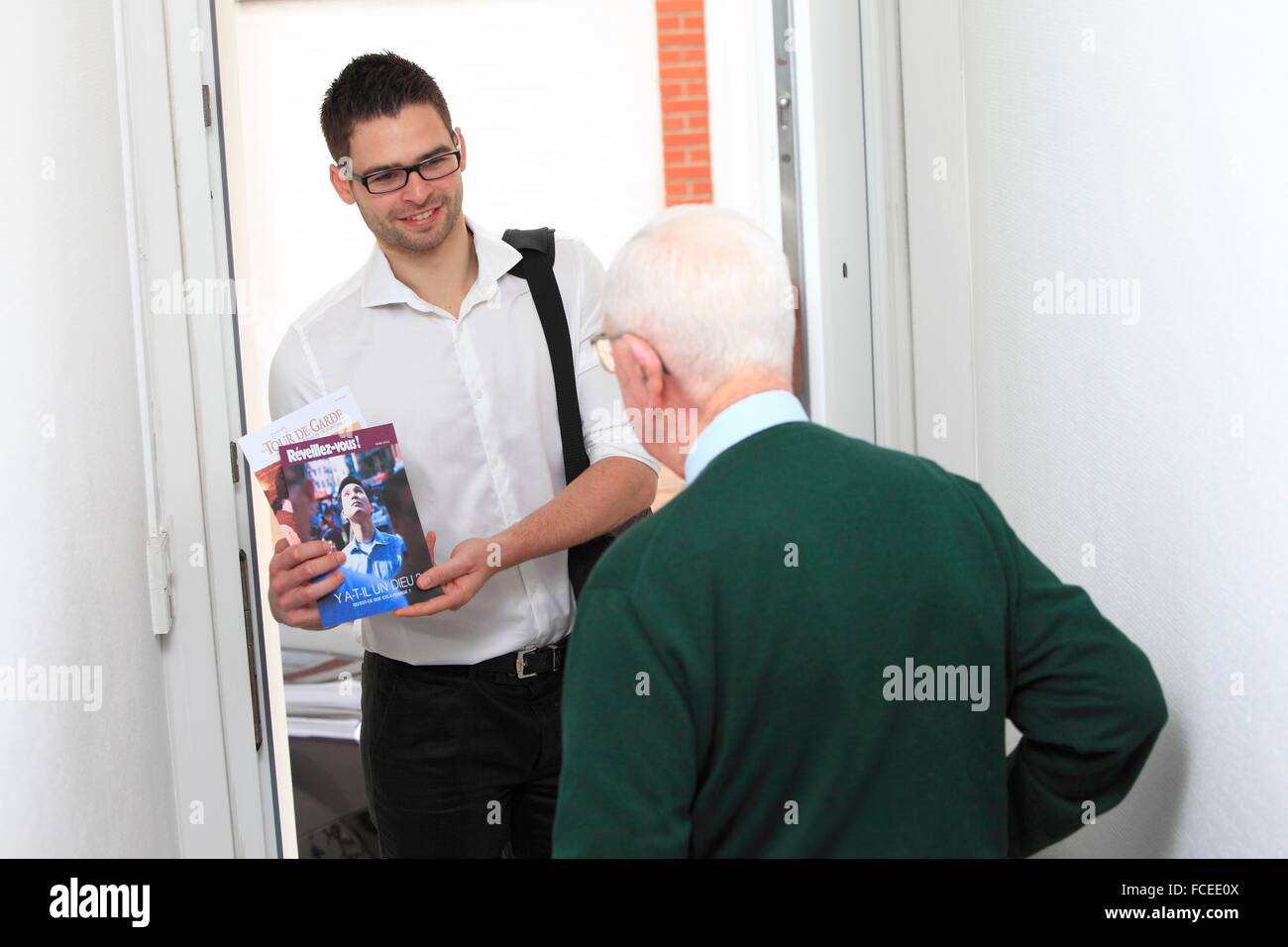 France canvassing at the main door - Stock Image  sc 1 st  Alamy & Canvassing Stock Photos u0026 Canvassing Stock Images - Alamy