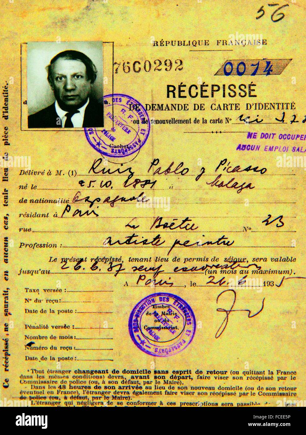 Spanish painter Pablo Picasso´s application for naturalization as a Frenc citizen (1935) - Stock Image