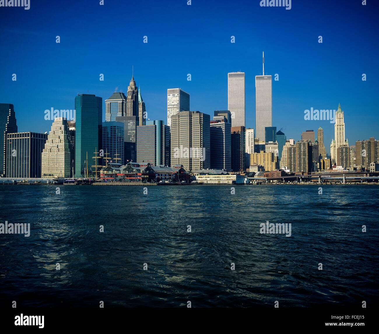 Manhattan To New York City: 2001 New York City Stock Photos & 2001 New York City Stock