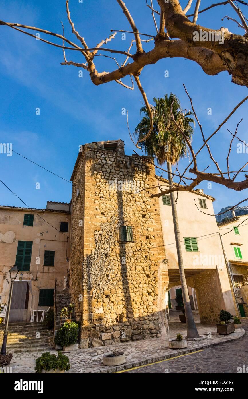 Plaça des Triquet. Torre dâ.en Tem Alemany, siglo XVI, Estellencs, Mallorca, balearic islands, spain, - Stock Image