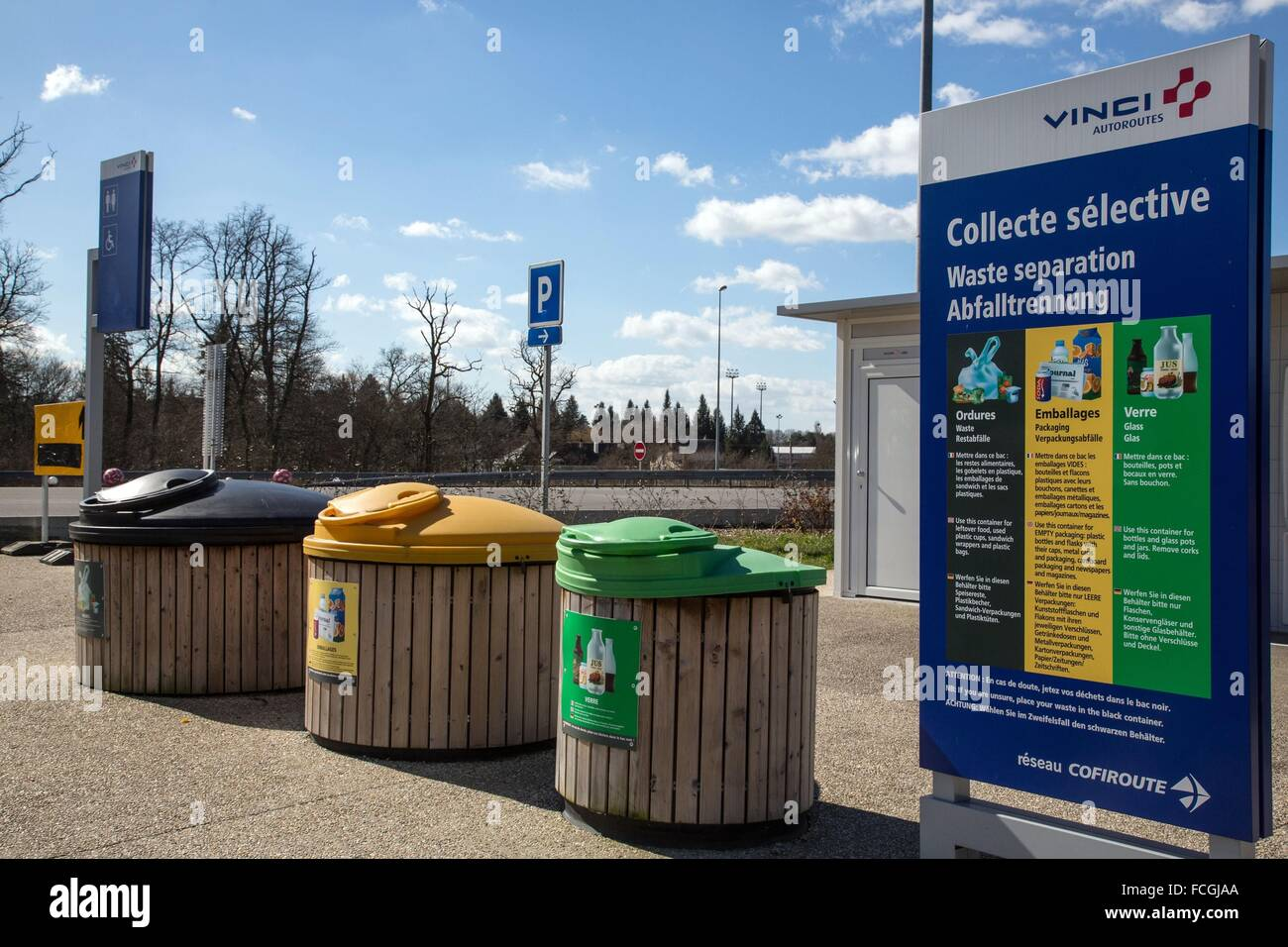 WASTE SEPARATION, (45) LOIRET, CENTRE, FRANCE - Stock Image