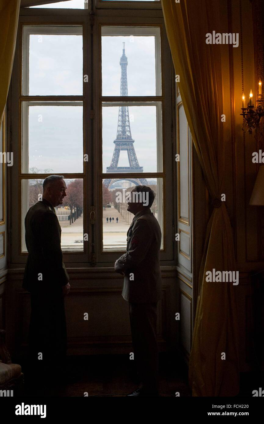 Paris, France. 22nd January, 2016. French Chief of Defense Staff Gen. Pierre de Villers and U.S. Chairman of the - Stock Image
