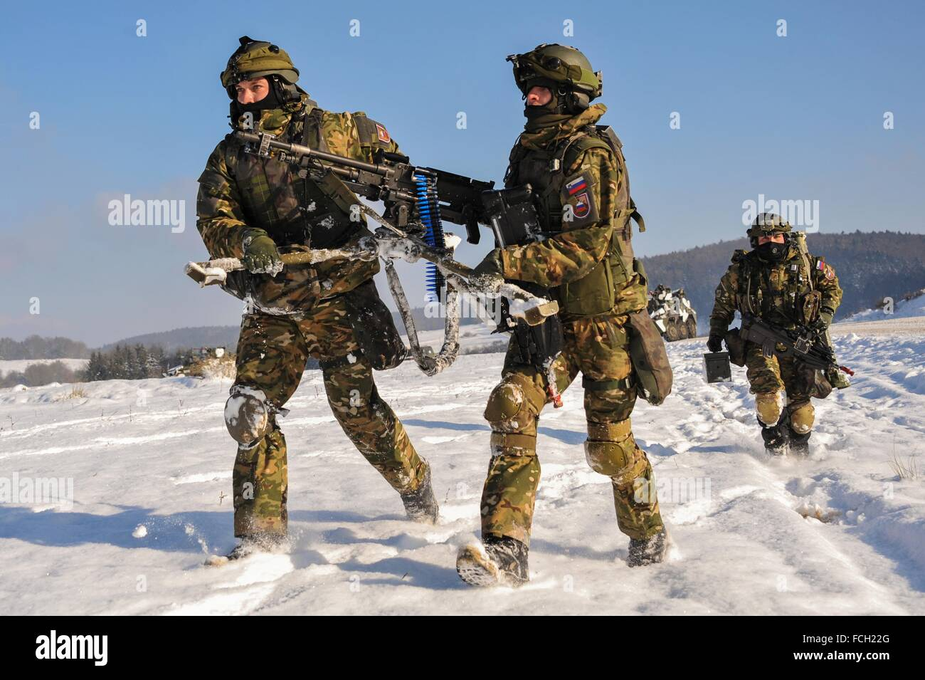 Hohenfels Army base, Germany. 21st January, 2016. Slovenian soldiers with the 3rd Company, 10th Regiment set up - Stock Image