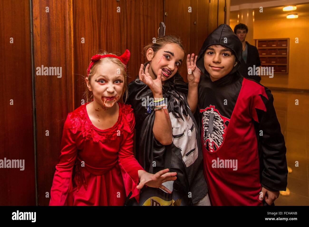 COSTUMED CHILDREN, HALLOWEEN Stock Photo