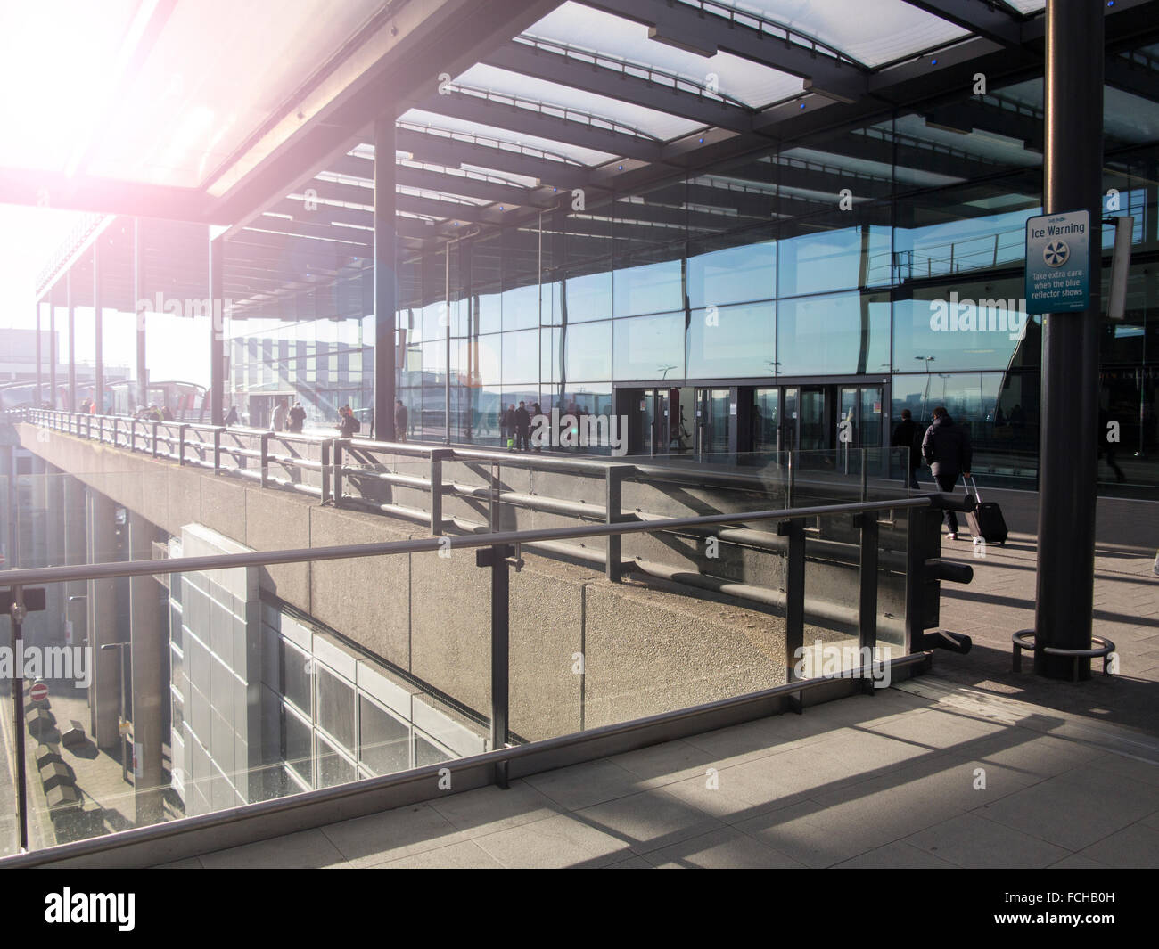 United kingdom gatwick airport south stock photos united kingdom gatwick airport south stock - Bureau de change crawley ...