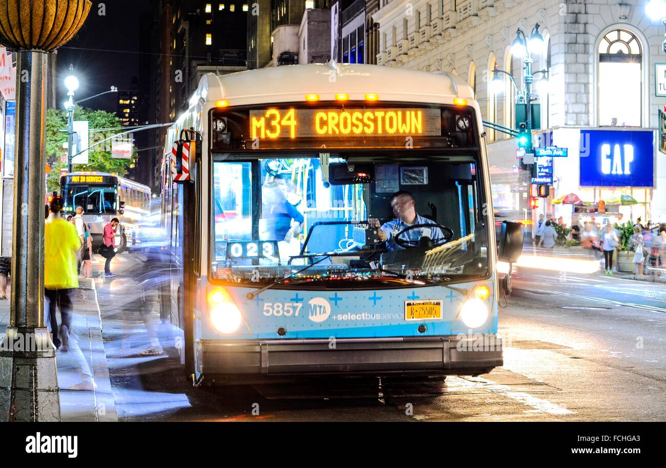 Mta Bus Stop Stock Photos & Mta Bus Stop Stock Images - Alamy