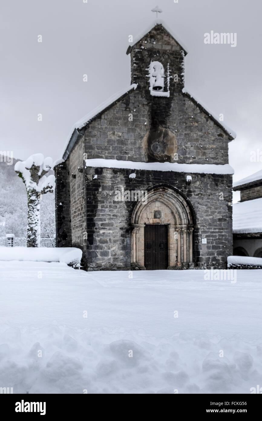 Orreaga Roncesvalles snowed in winter. Navarre, Spain. - Stock Image