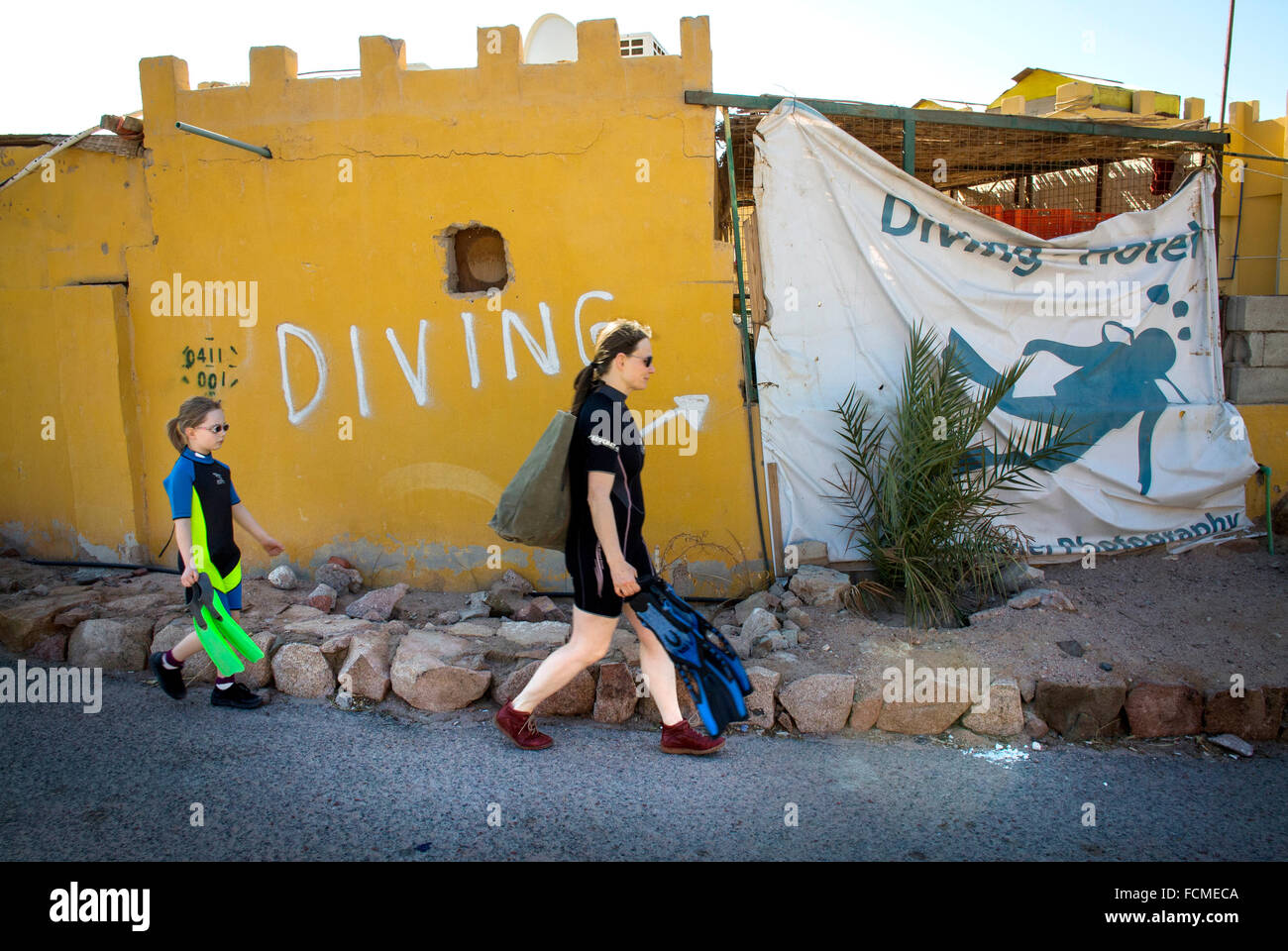 On their way to the Red Sea for Snorkeling at Aqaba, Jordan. - Stock Image