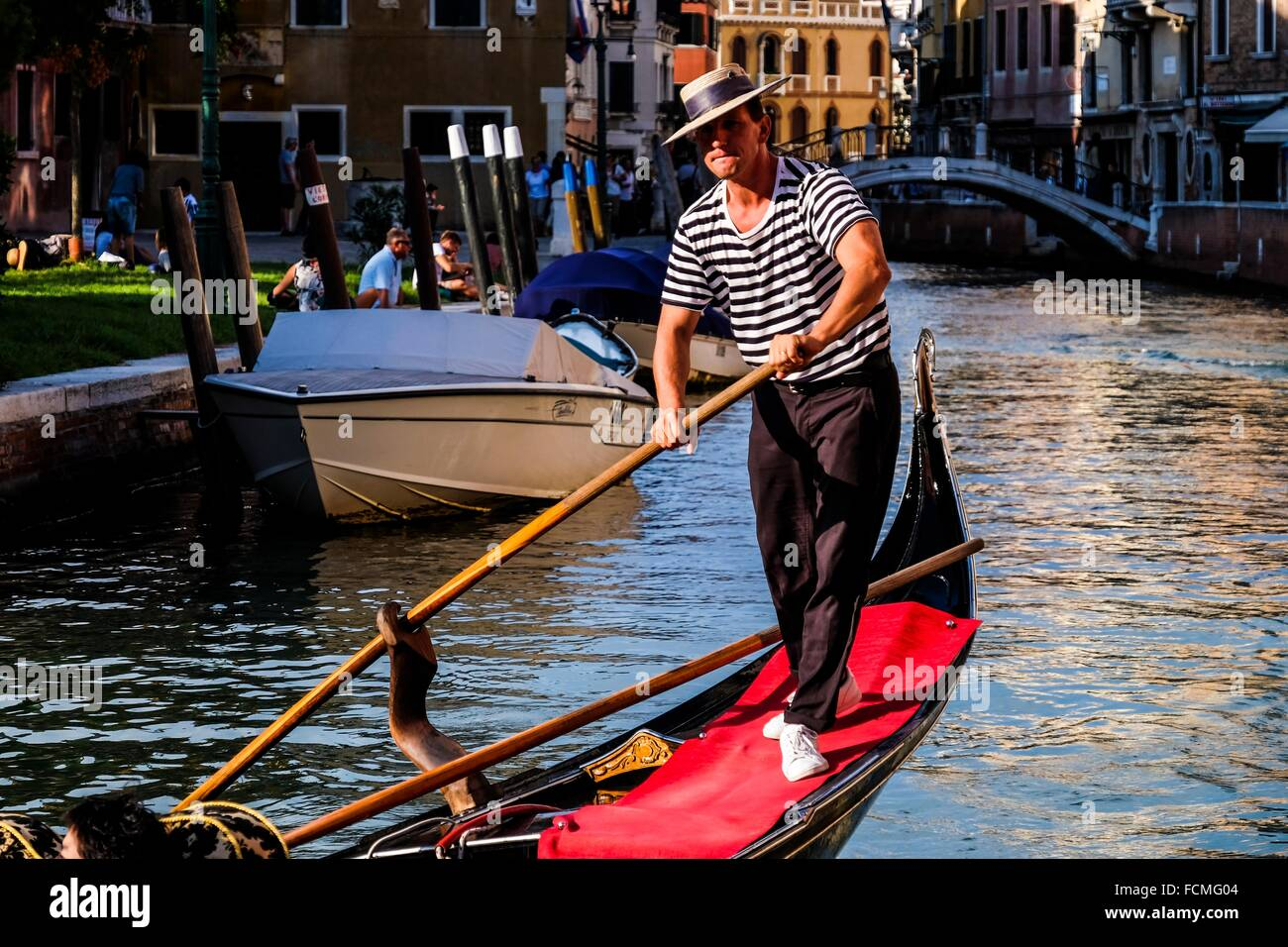 60928a1c47c Gondolier In Traditional Costume Stock Photos   Gondolier In ...