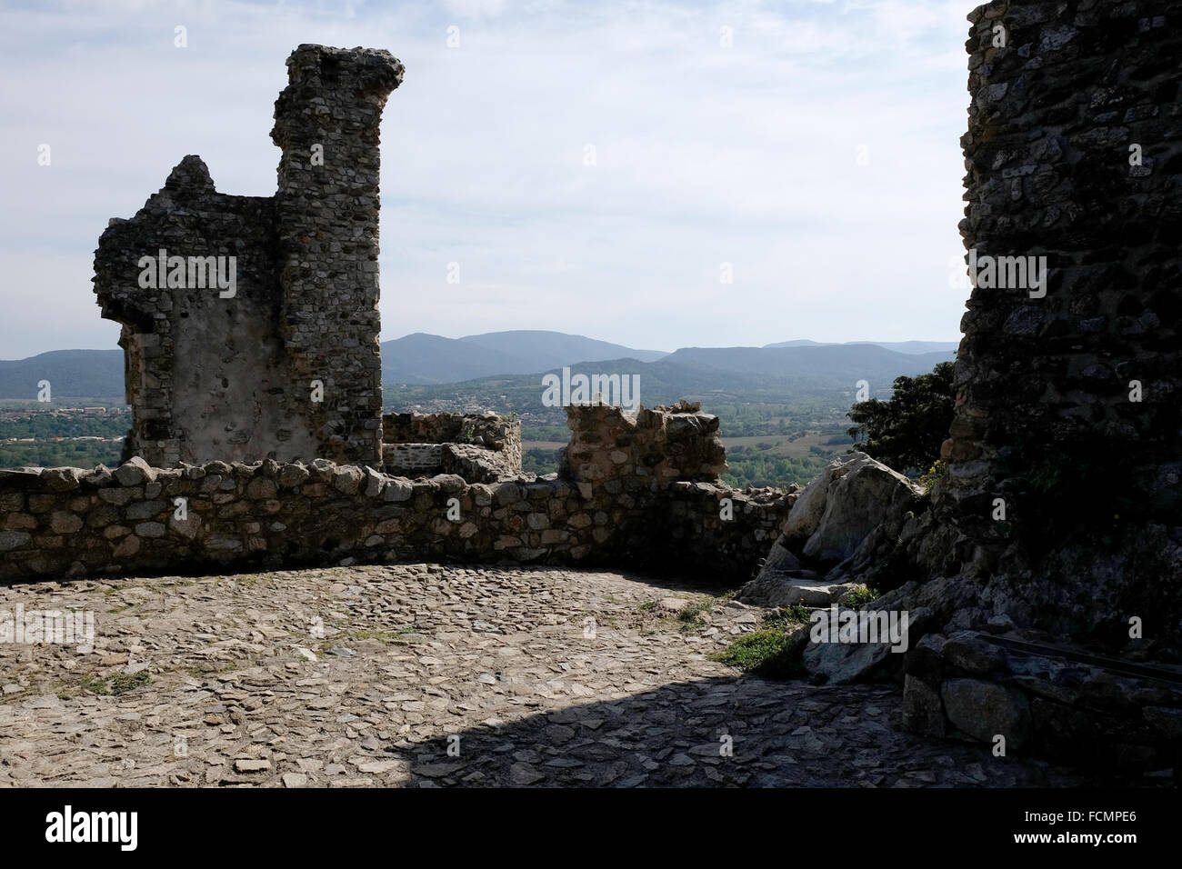 The ruined castle at Grimaud. - Stock Image