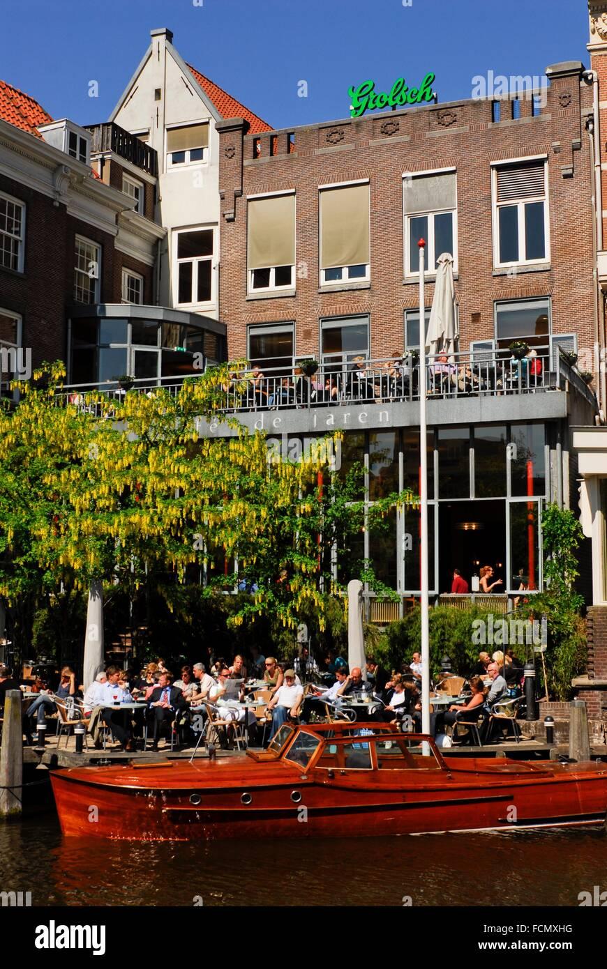 Cafe de Jaren Terrace besides NH Doelen, Amsterdam, Netherlands, Europe. - Stock Image