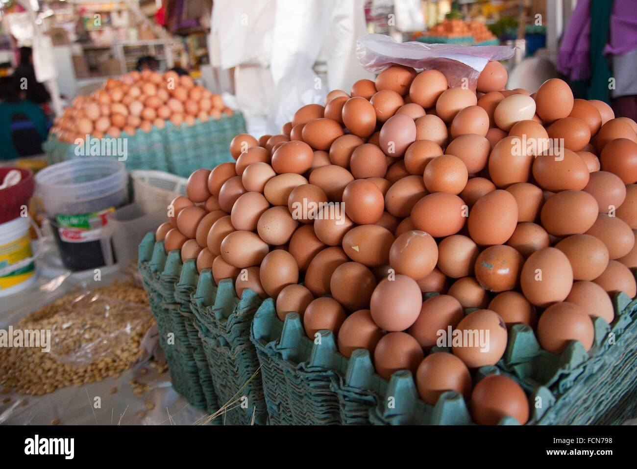 Eggs In Sale On Market Stock Photos & Eggs In Sale On Market