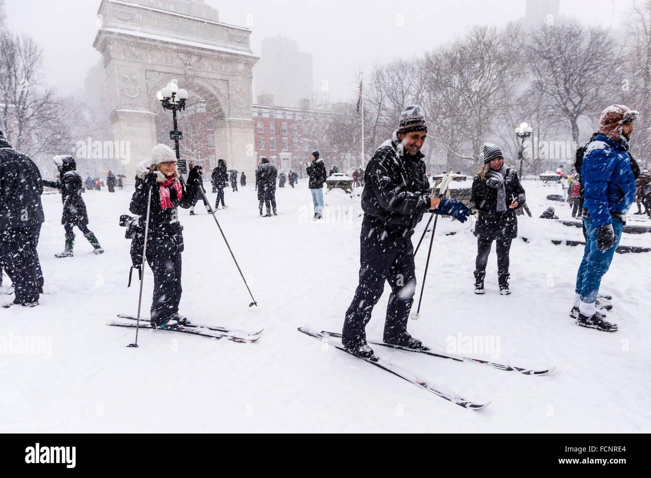 New York, USA. 23rd January, 2016.  Winter Storm Jonas hits New York City. New York Governor Andrew Cuomo and NYC - Stock Image