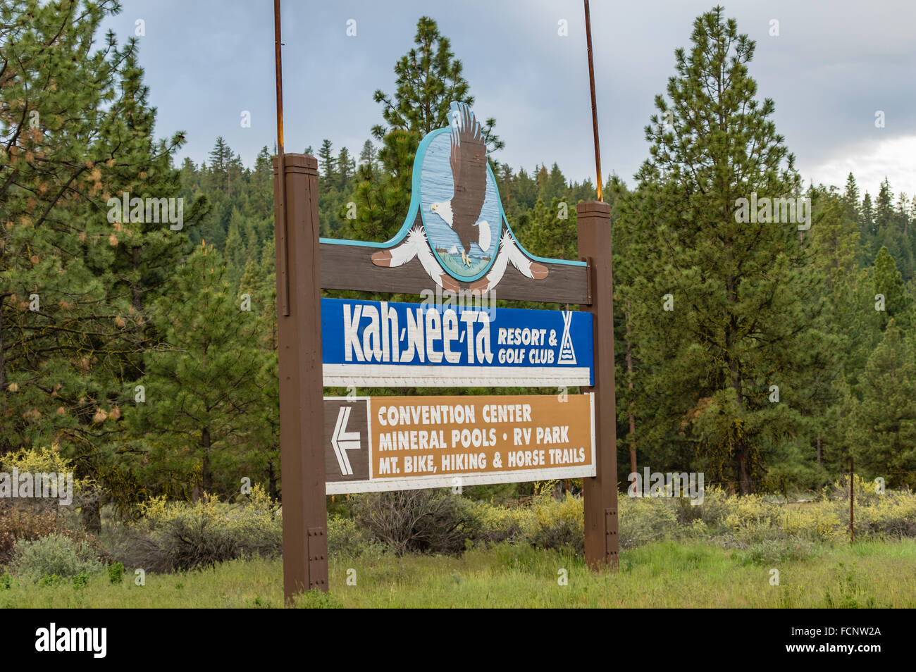 Road sign for the Kah Nee Ta resort and convention center