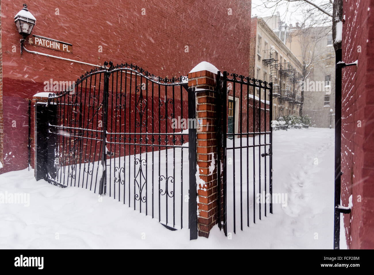 New York, NY 23 January 2016 Winter Storm Jonas hits New York City. New York Governor Andrew Cuomo and NYC Mayor - Stock Image