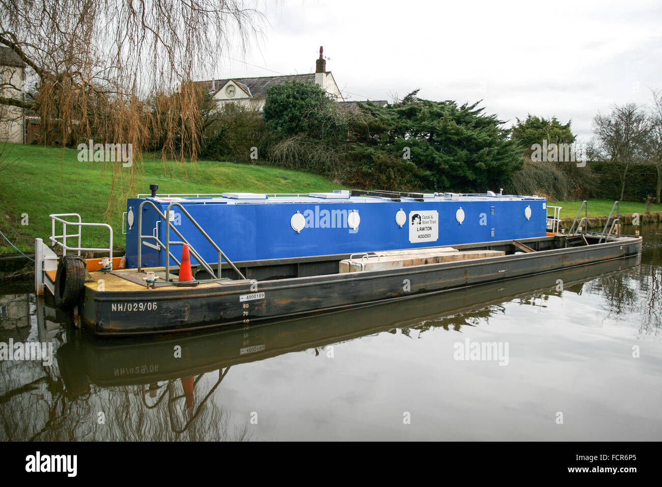 Canal work boat and butty on the Macclesfield Canal - Stock Image