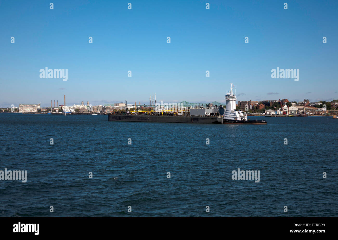 Towing Barges Stock Photos & Towing Barges Stock Images - Alamy