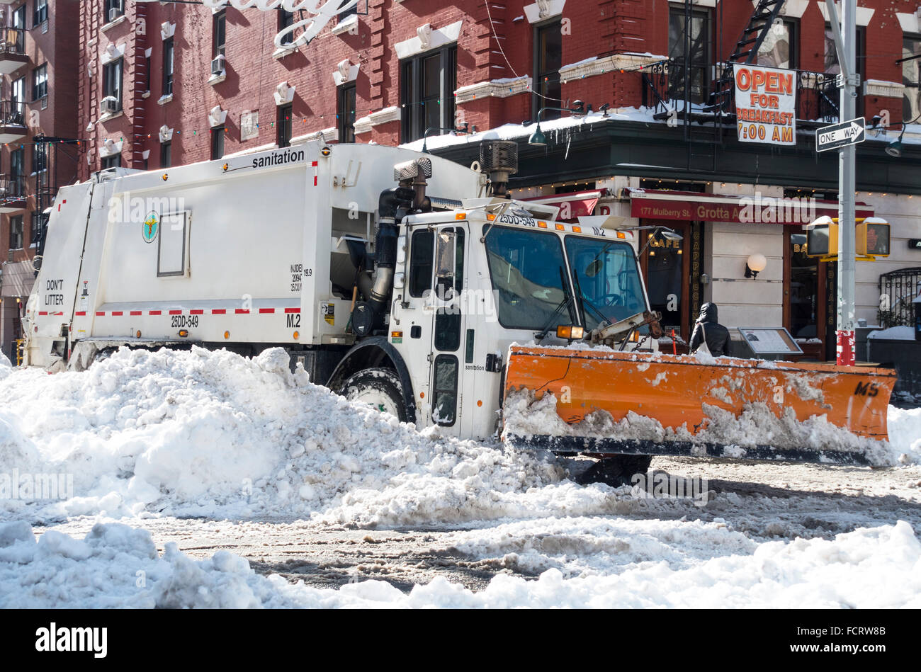 Snowplow cleaning up after 2016 Winter Storm Jonas in Lower Manhattan, NYC - Stock Image
