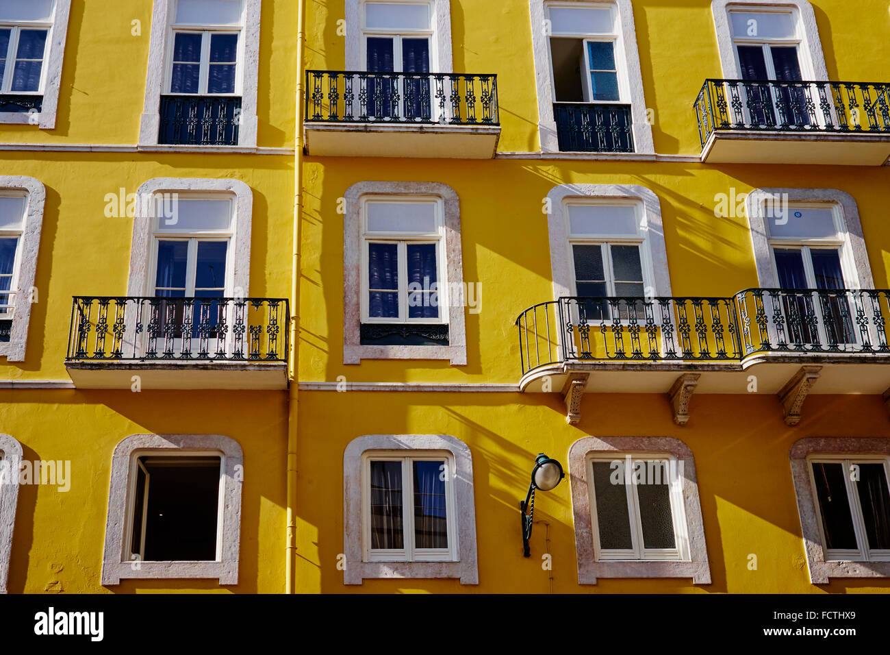 Portugal, Lisbon, Baixa pombalin, frontage of a appartement building - Stock Image