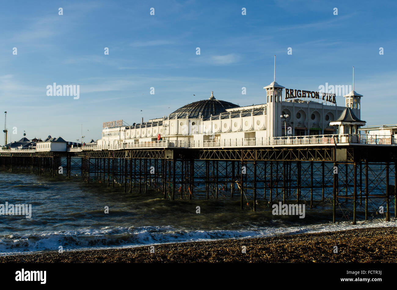 Brighton, UK. 25th January 2016. UK Weather. Clear blue skies and mild weather in Brighton, East Sussex, this morning - Stock Image