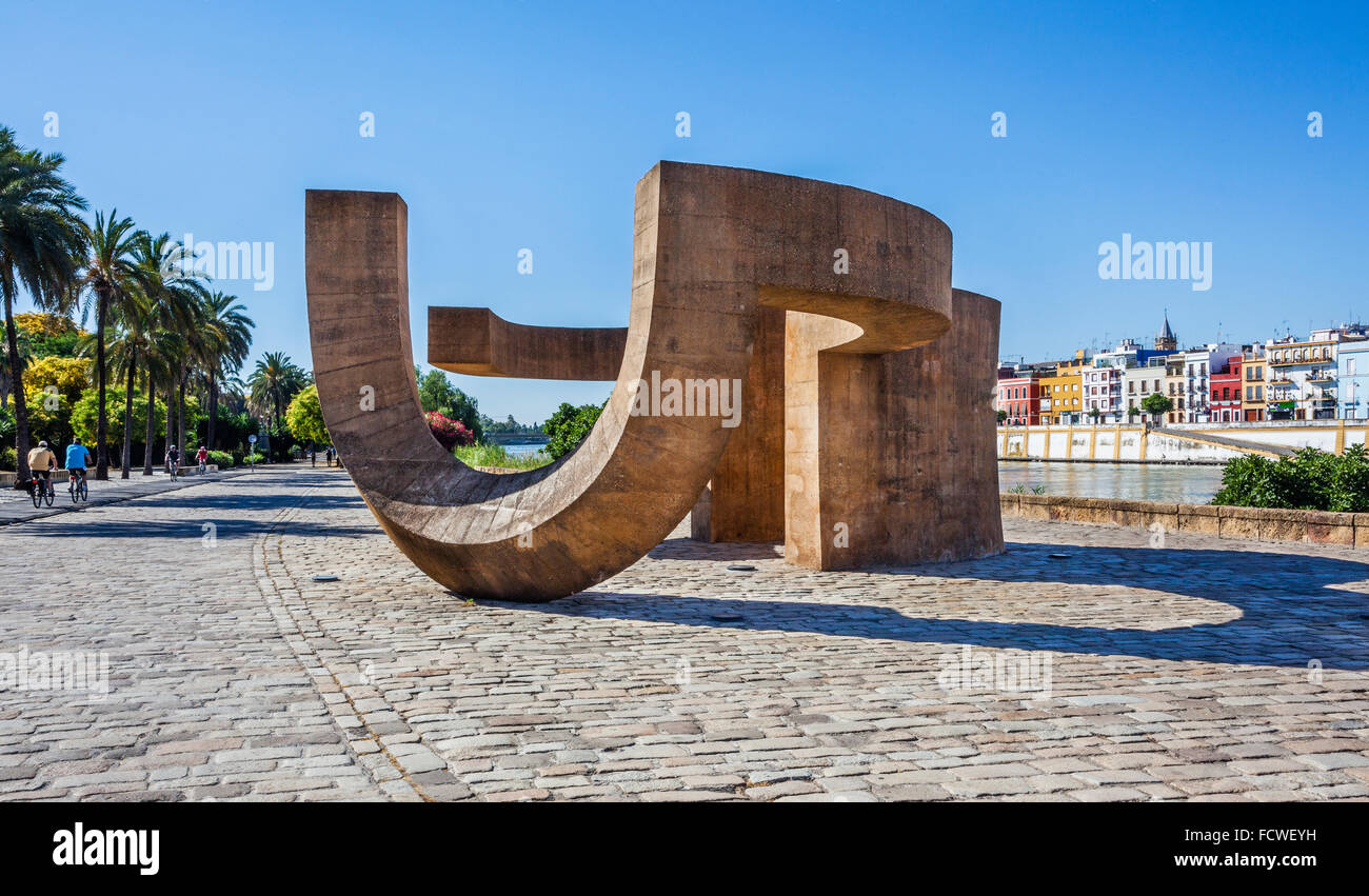 Spain, Andalusia, Province of Seville, Seville, Muelle de la Sal, Salt Pier, Monument to Tolerance on the Guadalquivir - Stock Image