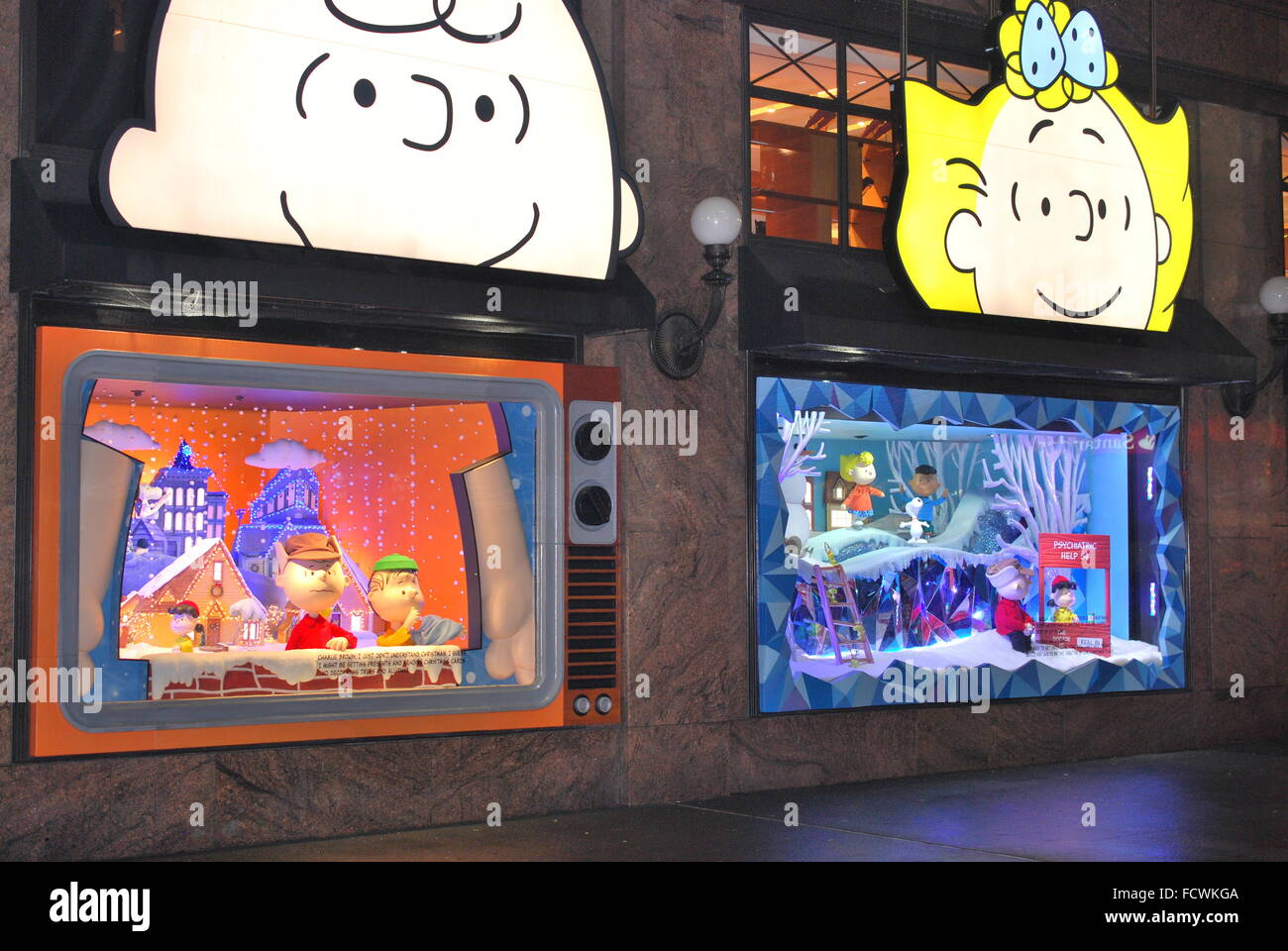 Charlie Brown Christmas 50th.Nyc Macy S Herald Square Window Display A Charlie Brown