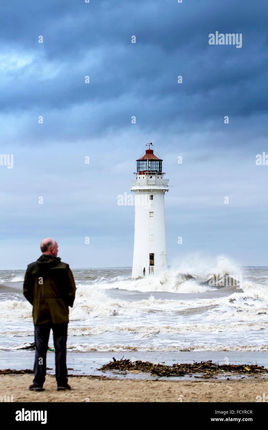 New Brighton, Birkenhead, Liverpool, UK. 26th January 2016. UK weather. High waves crash against the sea defences - Stock Image