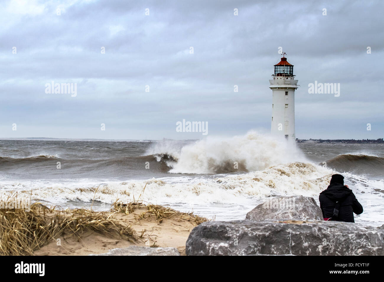 New Brighton, Wallasey, Liverpool, UK. 26th January 2016. UK weather. High waves crash against the sea defences - Stock Image