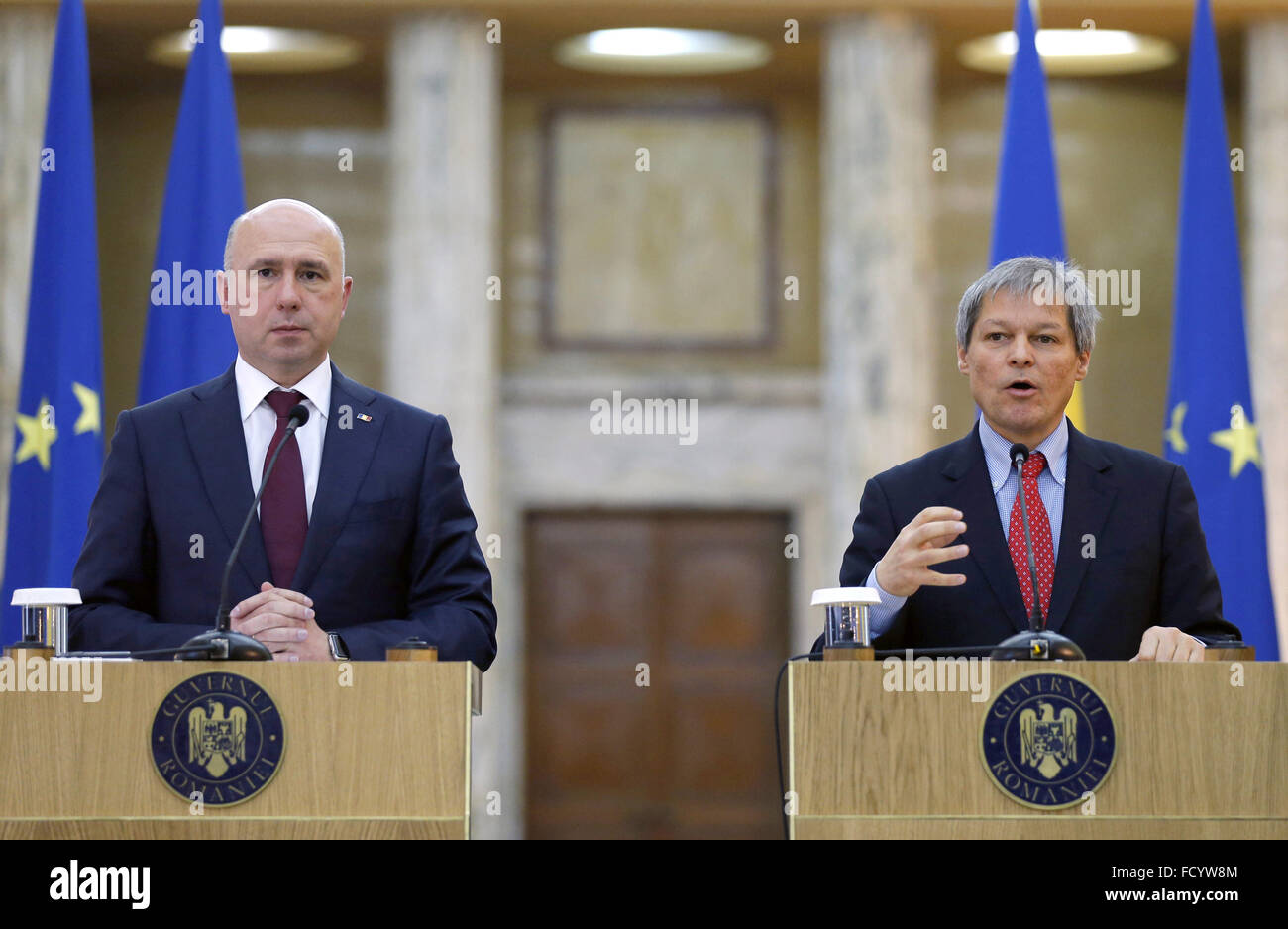 Bucharest, Romania. 26th Jan, 2016. Visiting Moldovan Prime Minister Pavel Filip (L) and Romanian Prime Minister Stock Photo