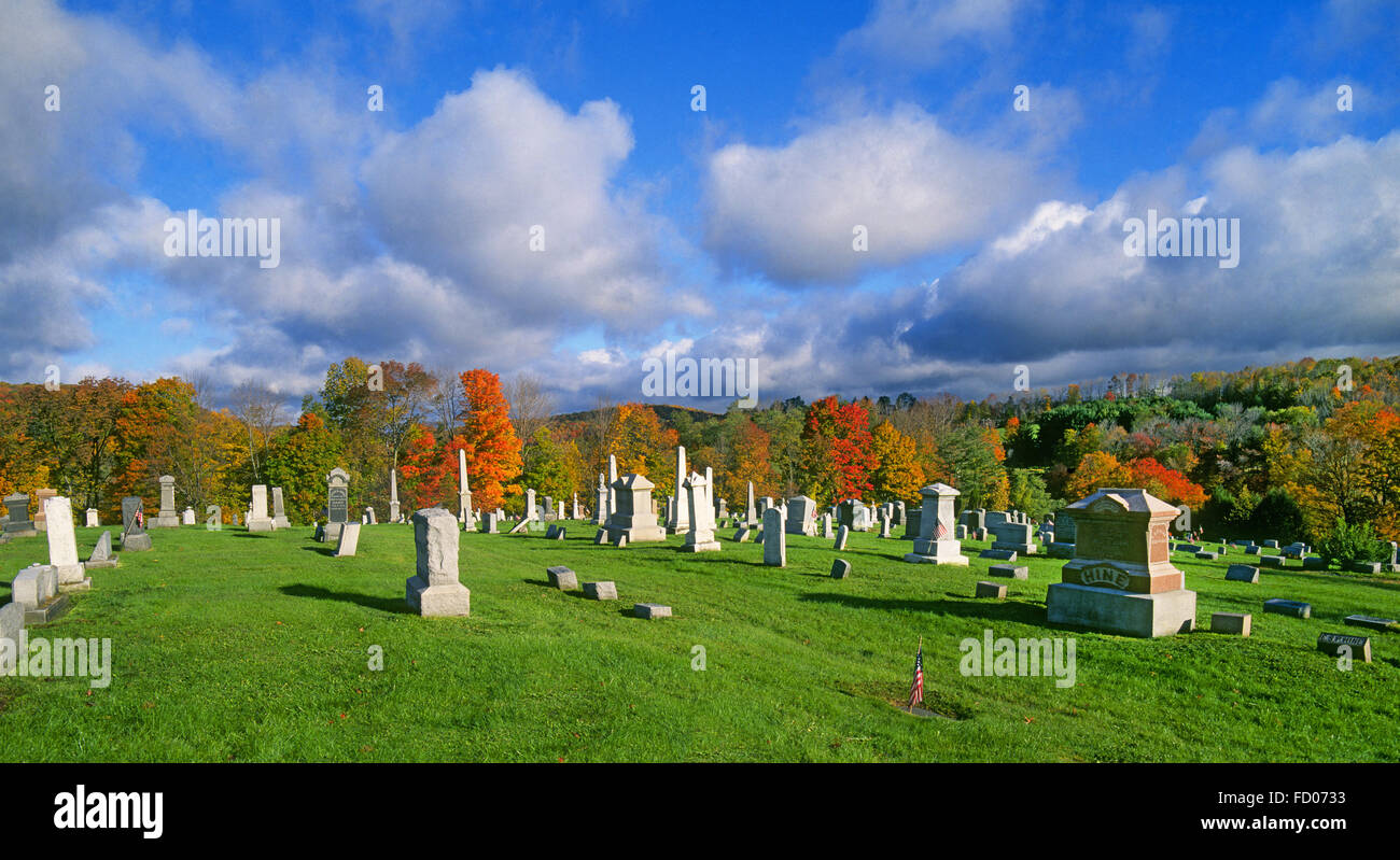 A vermont Cemetery in October - Stock Image