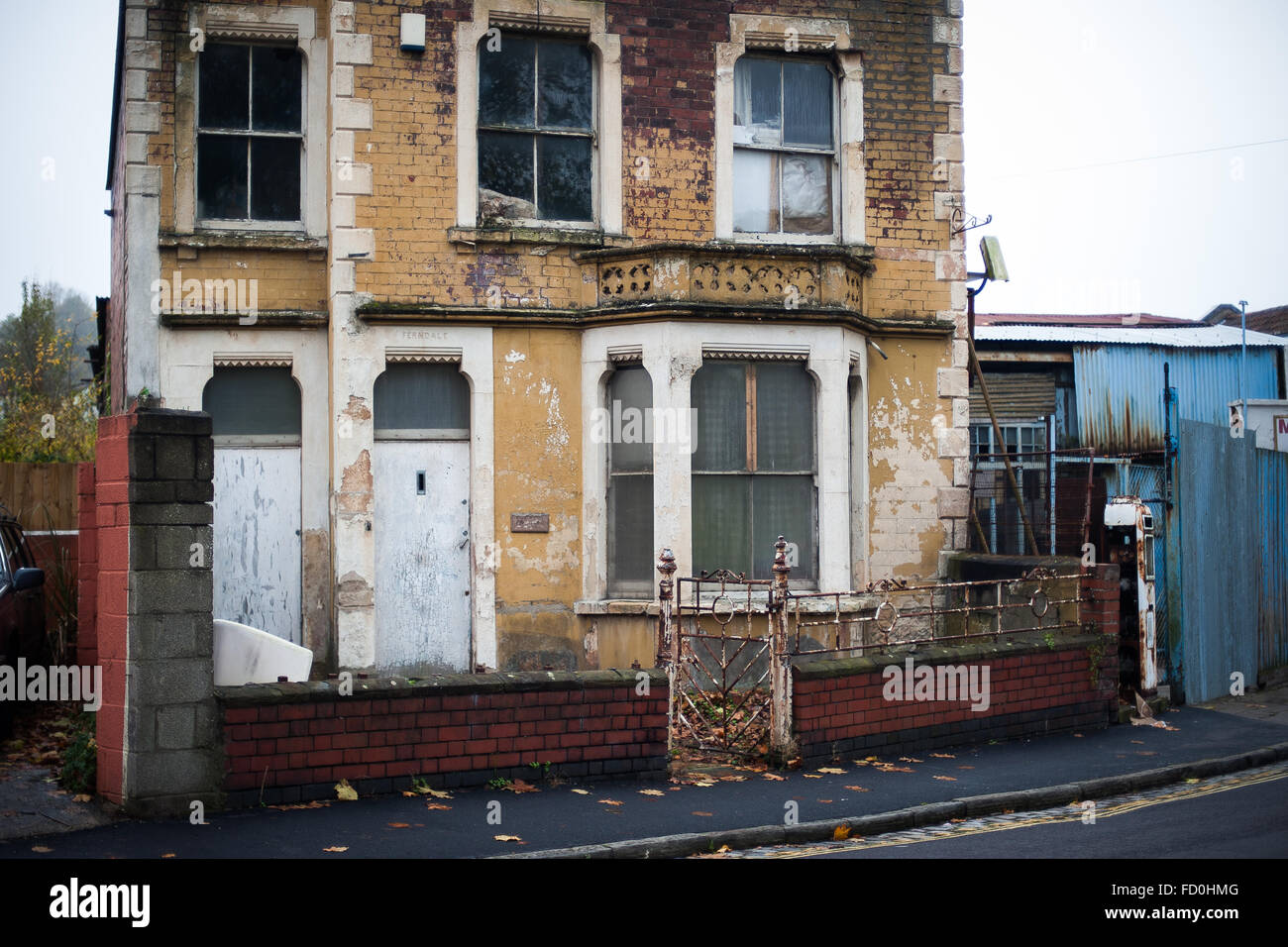 Decrepit dilapidated house in Bristol, England - Stock Image