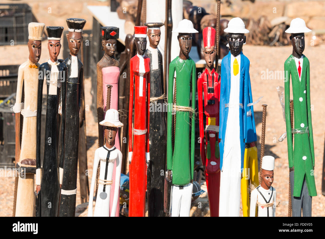 Carved African figures for sale on roadside, Cape Peninsula, City of Cape Town, Western Cape Province, Republic - Stock Image