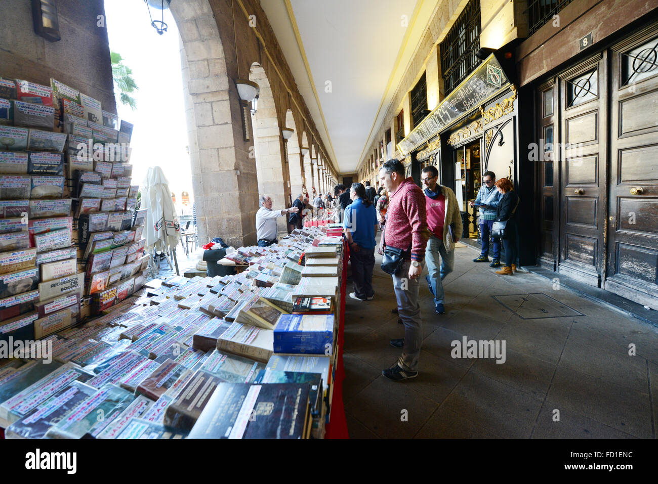 2nd hand books, records and antiques sold on Sunday's in Bilbao's Plaza Nueva - Stock Image