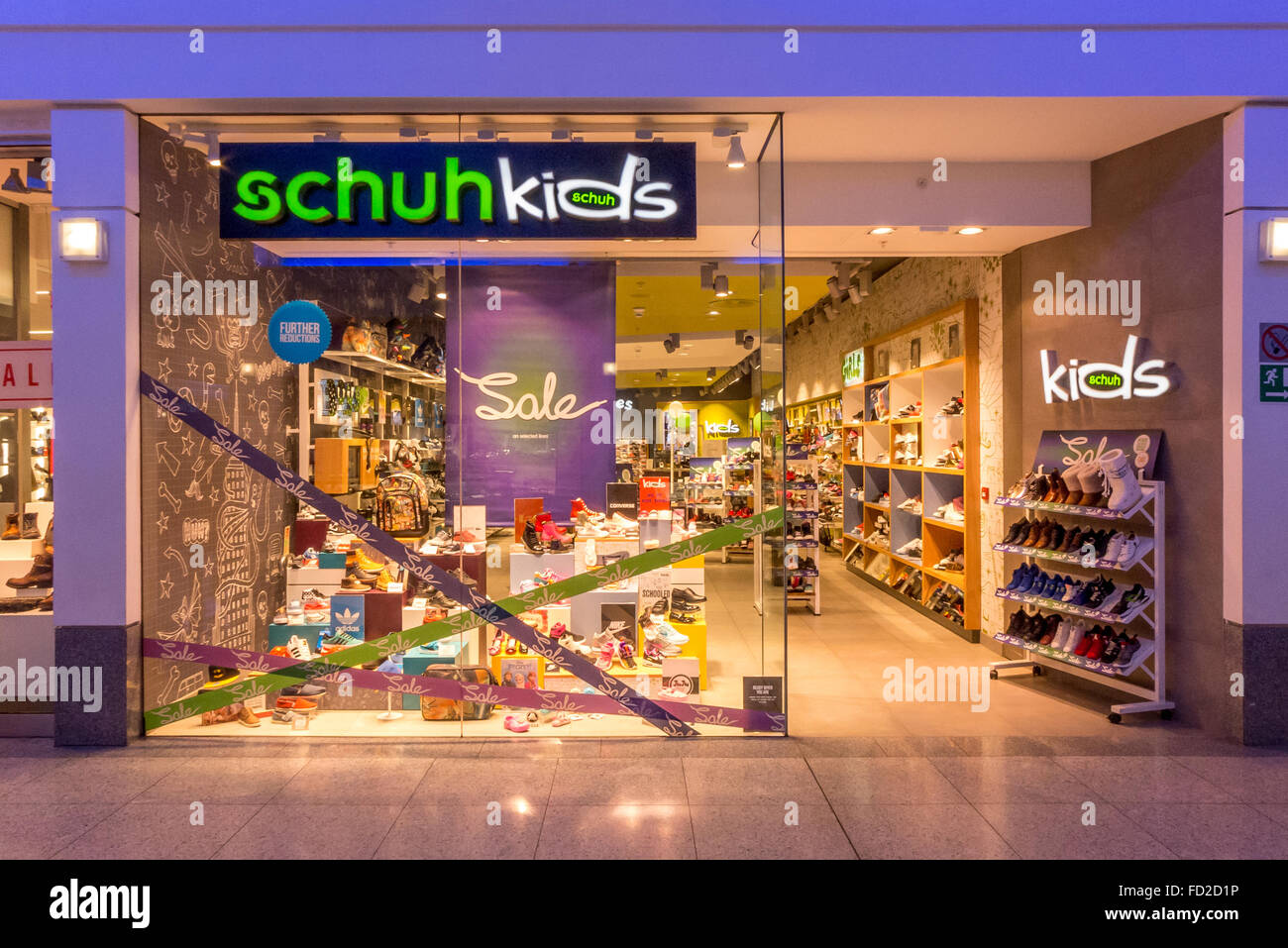 the best purchase cheap 100% quality Schuh Kids Stock Photos & Schuh Kids Stock Images - Alamy
