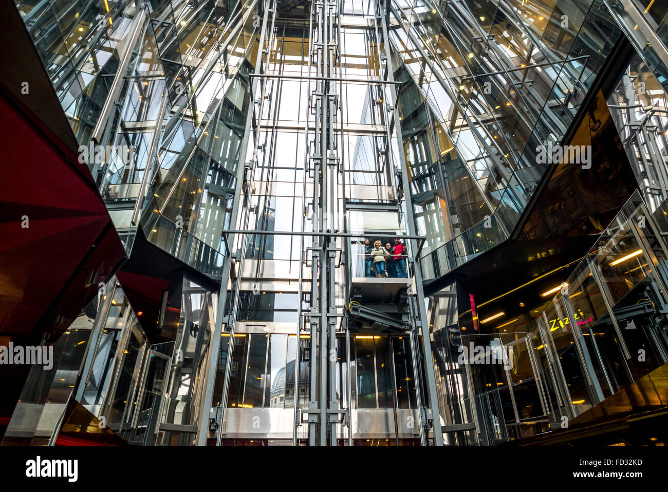 Modern Architectural view of One New Change, London - Stock Image