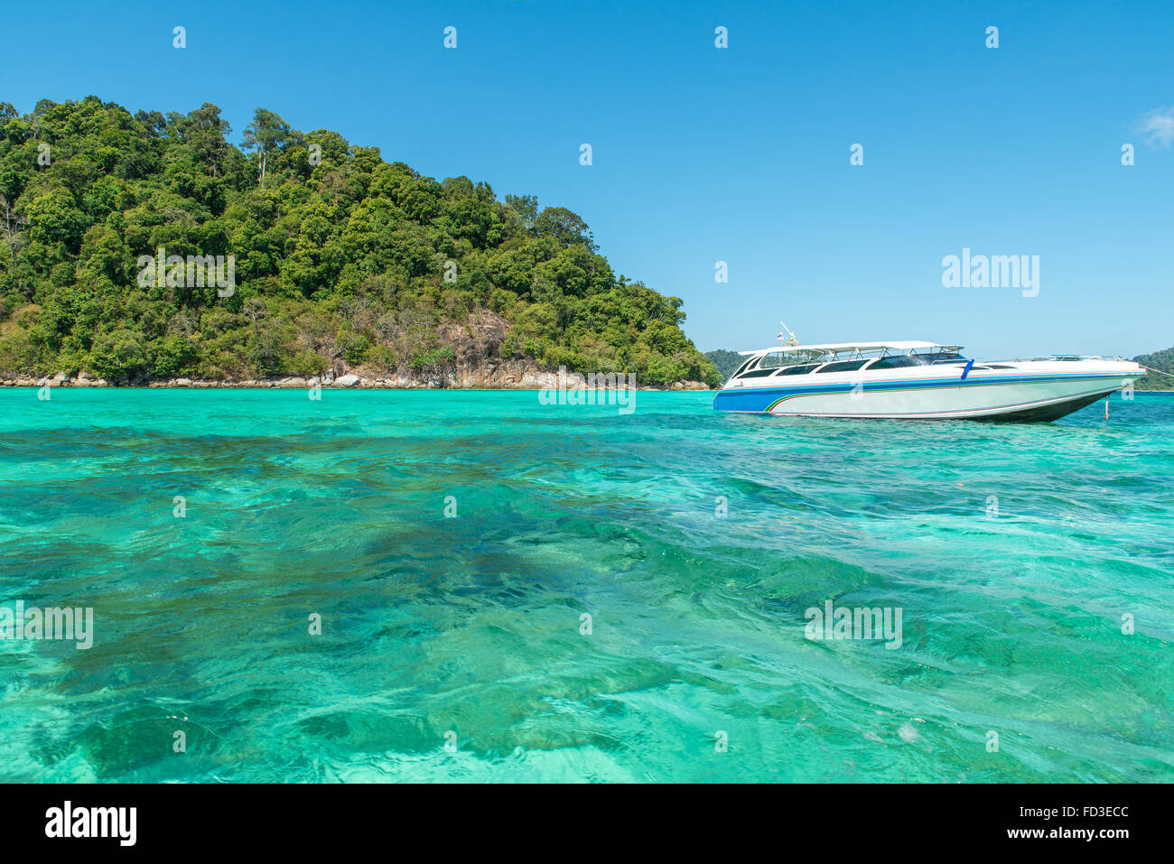 Summer, Travel, Vacation and Holiday concept - Speedboat in Corals Island Sea in Phuket, Thailand - Stock Image